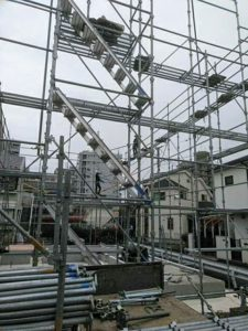 新築工事 足場