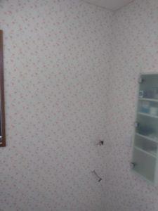 洗面脱衣室クロス貼り替え